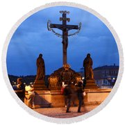 Christ Crucifixion Sculpture Round Beach Towel