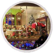 Christmas In Rochester Round Beach Towel