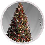 Christmas Tree At Pier 39 Round Beach Towel