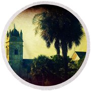 Church At Fort Moultrie Near Charleston Sc Round Beach Towel