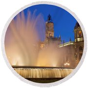 City Hall And Fountain At Dusk Round Beach Towel