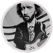 Clapton In Black And White Round Beach Towel