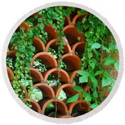 Clay Pattern Wall With Vines Round Beach Towel