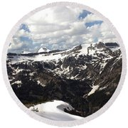 Clear Day On Rendezvous Mountain Round Beach Towel