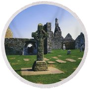 Clonmacnoise, Co Offaly, Ireland, West Round Beach Towel
