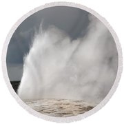 Close Up Of Old Faithful Round Beach Towel
