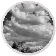 Clouds Rising Bw Palm Springs Round Beach Towel