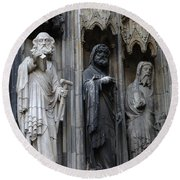 Cologne Cathedral Statues Round Beach Towel