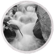 Colorado St Vrain River Trance Bw Round Beach Towel