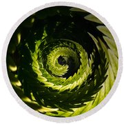 Common Polypody Swirl Round Beach Towel