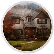 Cottage - Westfield Nj - The Country Life Round Beach Towel by Mike Savad
