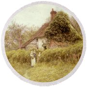 Cottage At Pinner Middlesex Round Beach Towel