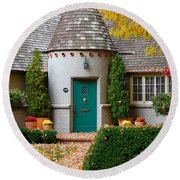 Cottage In The Park Round Beach Towel