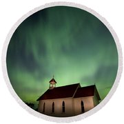Country Church And Northern Lights Round Beach Towel