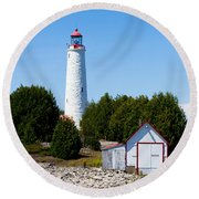 Cove Island Lighthouse Round Beach Towel