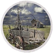 Covered Wagon And Farm In 1880 Town Round Beach Towel