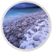 Covered With Snow Pebbled Shore Of Georgian Bay Round Beach Towel