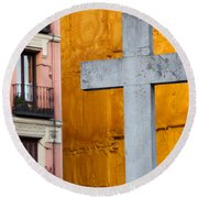 Cross In The City Of Madrid Round Beach Towel