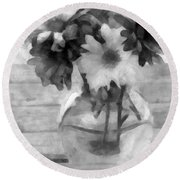 Daisy Crazy Bw Revisited Round Beach Towel