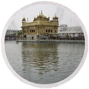 Darbar Sahib And Sarovar Inside The Golden Temple Round Beach Towel