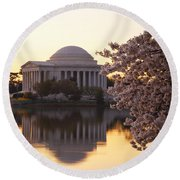 Dawn Over The Jefferson Memorial Round Beach Towel