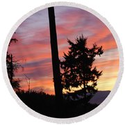 Daybreak On The Island Round Beach Towel