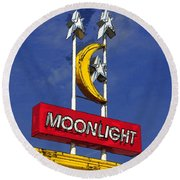 Daylight At The Moonlight Round Beach Towel