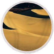 Death Valley And Photographer In Morning Sun Round Beach Towel