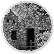 Desert Castle Black And White Round Beach Towel