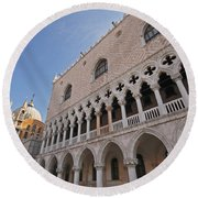 Doges Palace Off Piazza San Marco Or Round Beach Towel