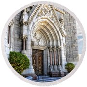 Doorway Sacred Heart Cathedral Round Beach Towel
