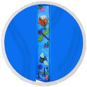 Dragonfly And Bee Round Beach Towel