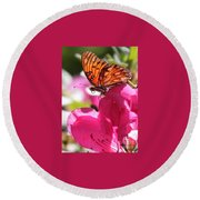 Dreaming Of Butterflies And Pink Flowers Round Beach Towel
