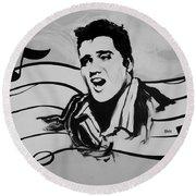 Elvis In Black And White Round Beach Towel