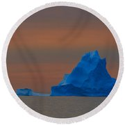 Evening Berg Round Beach Towel
