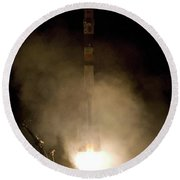 Expedition 16 Lifts Off Round Beach Towel