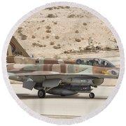 F-16i Sufa Fighting Falcon Round Beach Towel