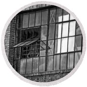 Factory Air In New Orleans In Black And White Round Beach Towel