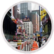 Amidst Color And Construction In Times Square Round Beach Towel