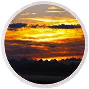 Fiery Sunrise Over The Cascade Mountains Round Beach Towel