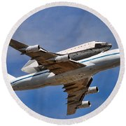 Final Flight Endeavour Round Beach Towel