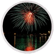 Fireworks Of Green And Red Round Beach Towel