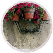 Flower Pots On Old Wall Round Beach Towel