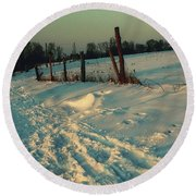 Footprints In The Snow Round Beach Towel