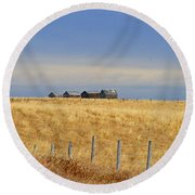 Four Outbuildings In The Field Round Beach Towel
