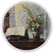 French Church Decorations Round Beach Towel