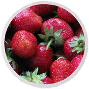Fresh Strawberries Round Beach Towel