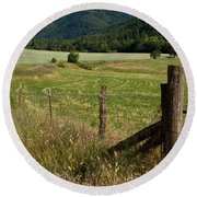 Galls Creek Farm Scene Round Beach Towel