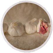 Garlic And Textures Round Beach Towel