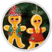 Gingerbread Couple Round Beach Towel